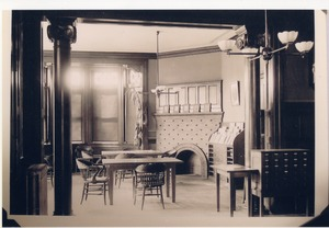 Howe Memorial Library reading room 1903