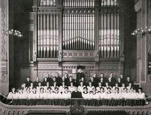 Volunteer chorus of the Plymouth Church in Worcester, Massachusetts,1913