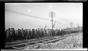 Fore River workman parade to Boston. November 11, 1918