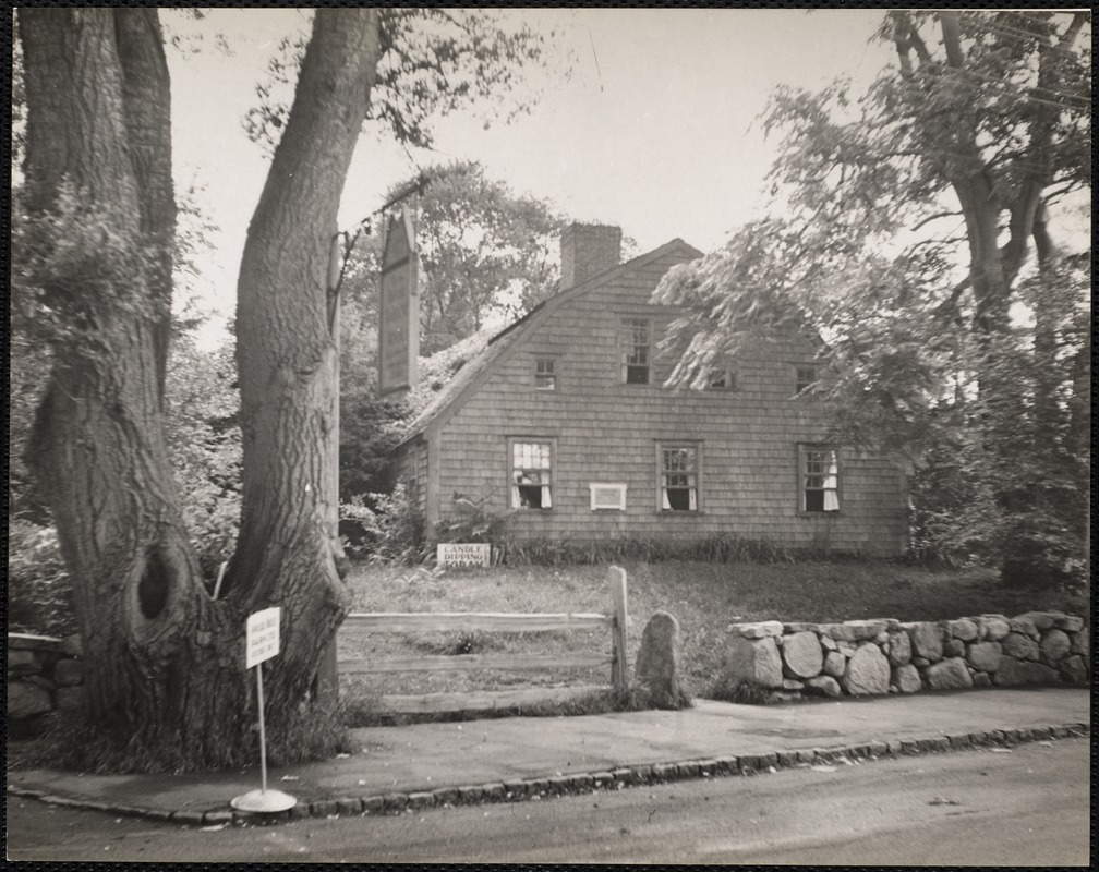 William Harlow house, Plymouth, Mass built in 1677