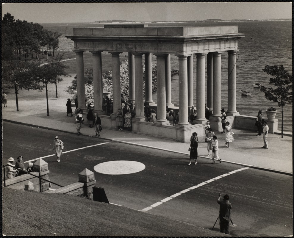 Plymouth Rock, Plymouth, Mass. under this granite portico reposes the Plymouth Rock.