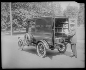 NFL Bookmobile Front & Rear 1920