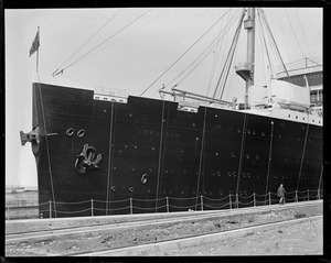 SS Leviathan - dry dock