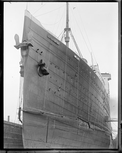 SS Leviathan, dry dock