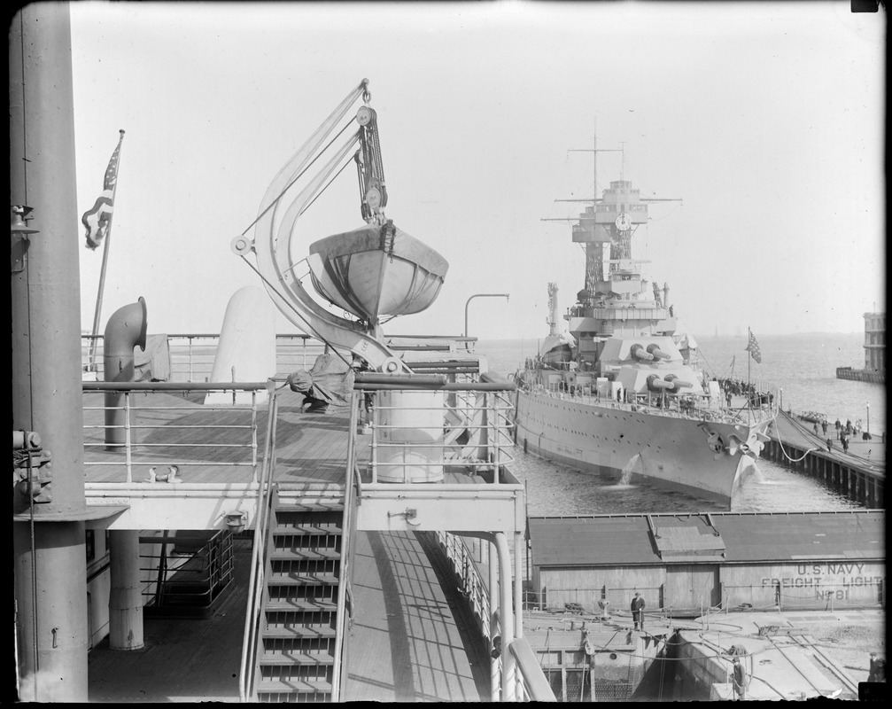 SS Leviathan toward USS Tennessee