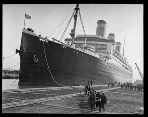SS Leviathan docking in Boston