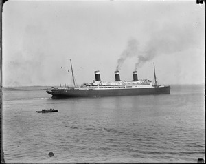 SS Leviathan steaming out of Boston