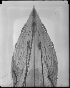 Worm's eye view of SS Leviathan. 3B
