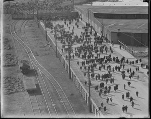 When main gate of South Boston drydock opened - big crowd flocked toward Leviathan