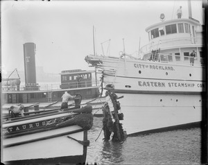 SS City of Rockland has a severe crash with Schooner H.P. Havens