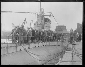 Crowd aboard sub S-6, sister ship to ill-fated S-4