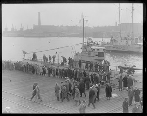 Crowd going aboard sub S-6, sister ship to ill-fated S-4 in Navy Yard