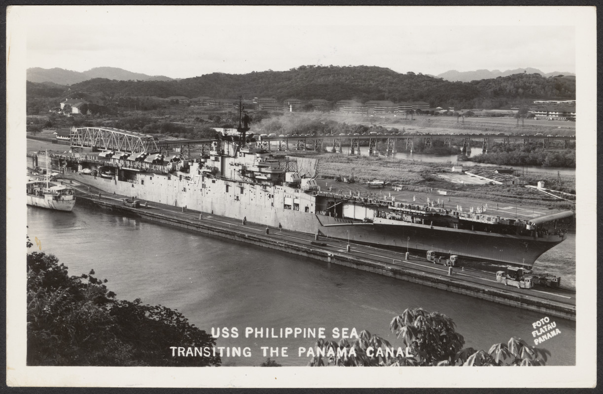 USS Philippine Sea transiting the Panama Canal