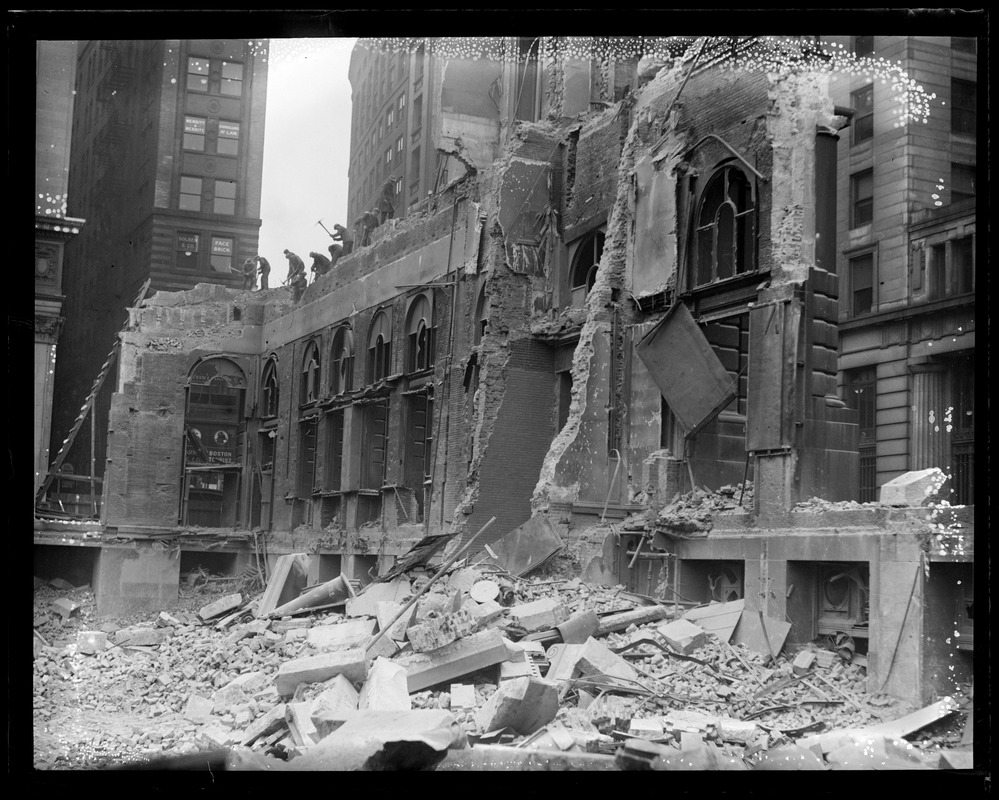 Tearing down the U.S. Post Office in Boston
