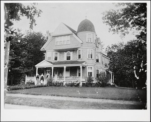 Berthold house and family