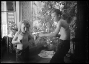 2 children - sparring
