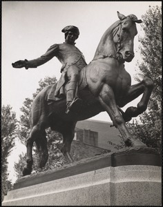Cyrus Dallin's statue of Paul Revere