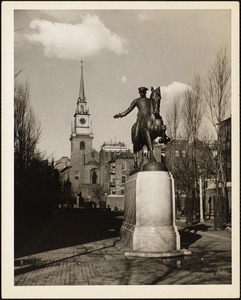 Old North Church & statue of Paul Revere