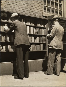 Boston. Book stalls on Old South Meeting House - Washington & Milk Sts