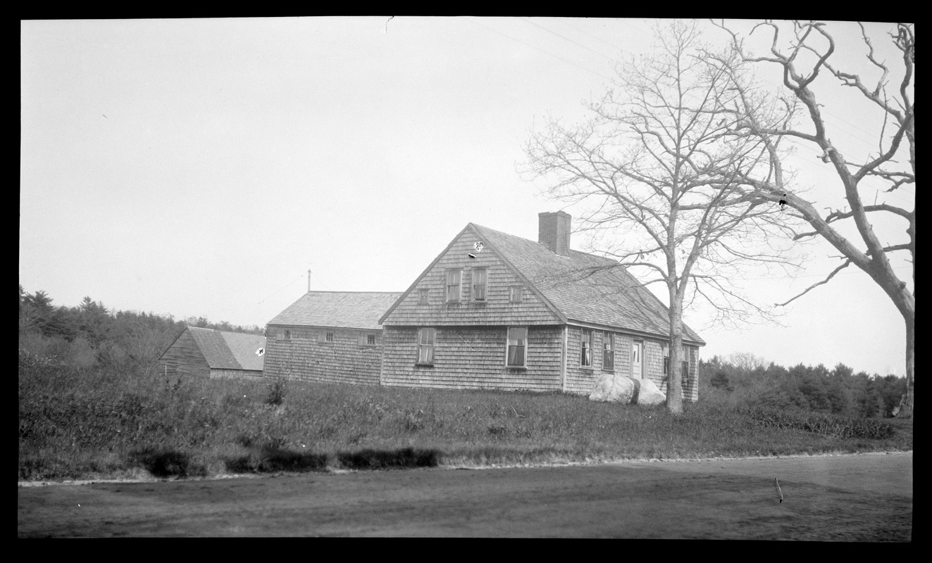 """House on Old Boston Road with """"Salem style"""" overhang"""