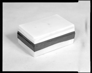 Packaging- container with no flange