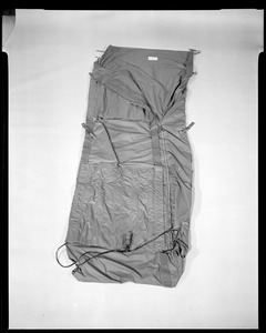 Cemel, electrically heated liner for casuality evacuation bag