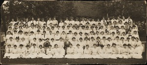 Class of 1914(?) with Helen Temple Cooke