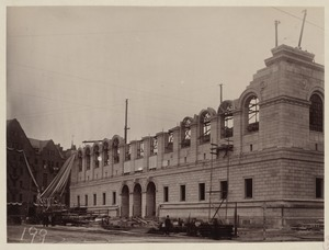 Facade showing installed cornice, Boylston and Dartmouth St corner, construction of the McKim Building
