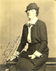 Polly Thomson with handwritten note to Nella Braddy Henney