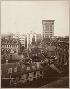 Boston, Massachusetts. State St. looking towards Court St. showing Old State House