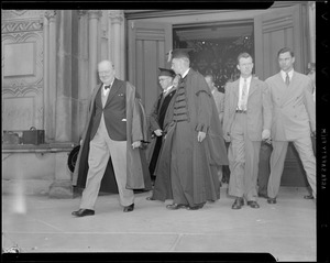 Winston Churchill attends Harvard commencement