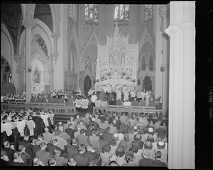 Archbishop Cushing presides over Mass at the Cathedral of the Holy Cross