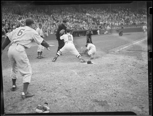 Play at the plate, Fenway