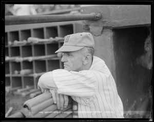 Bees manager Casey Stengel
