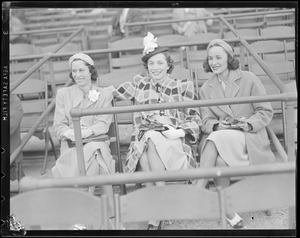 Cinn - baseball with Bees (three women in stands)