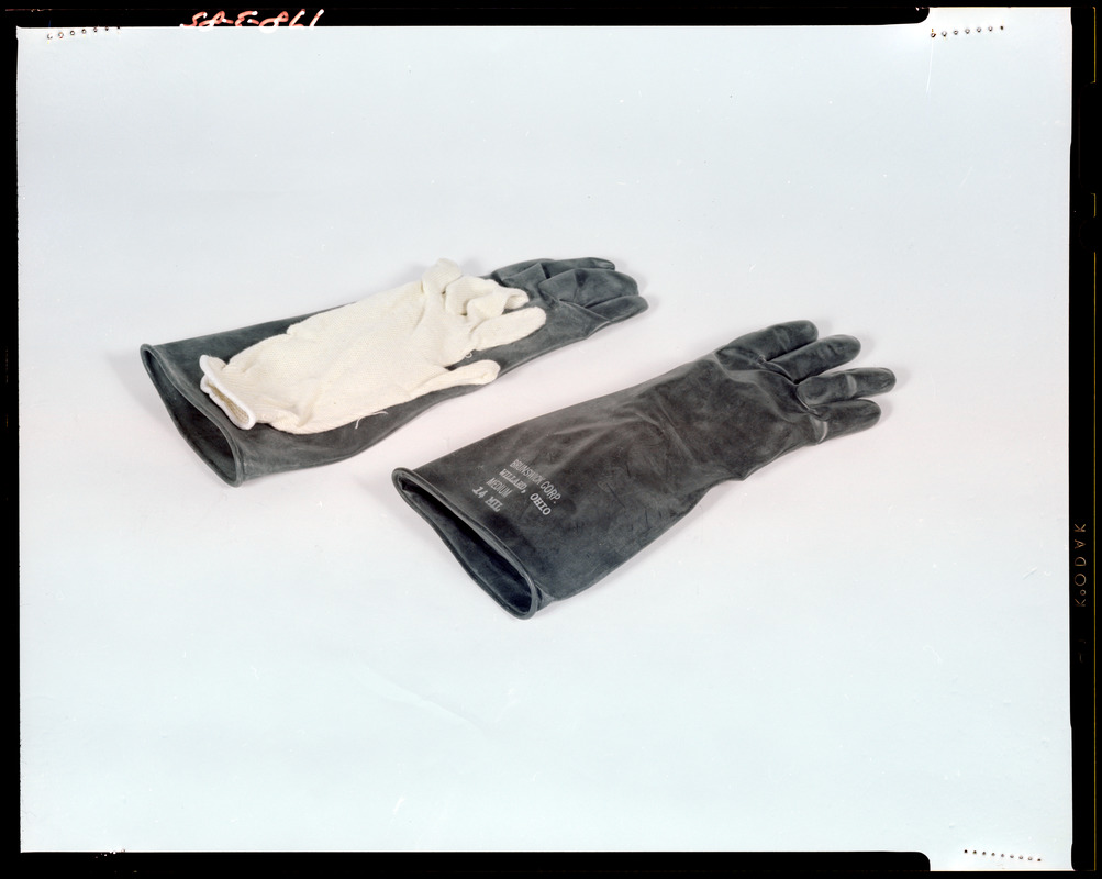 IPL tactile glove and liner