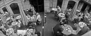 Alfresco lunching on lower Commonwealth Avenue, Boston