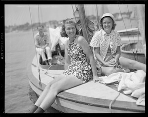 Girls yachting, Marblehead