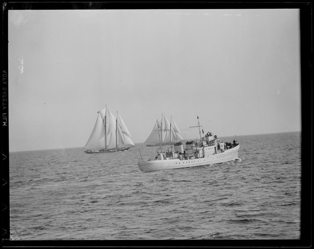 """Gloucester fishermen's race and cutter """"Thetis"""""""