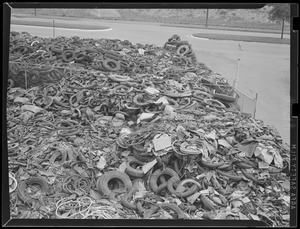 Collecting tires for scrap