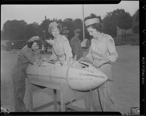 WWII: Enemy bomb on Boston Common