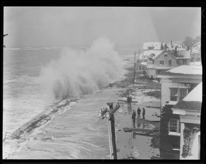 Surf at Shore Drive, Winthrop