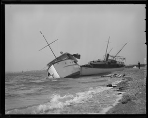 Motor yachts blown ashore, Hurricane of 38