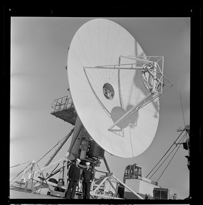 Antenna on the USS Wasp carrier