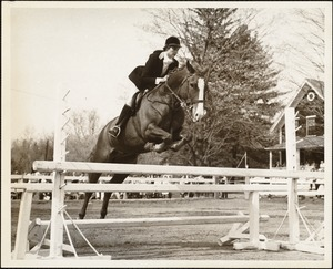 Brooke Hollister, '61, taking a jump at annual Dana Hall Schools Horse Show