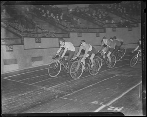 Indoor bicycle race