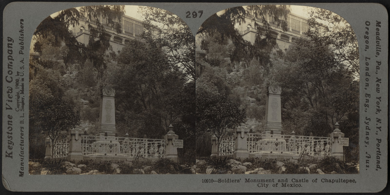 Soldiers' monument and Castle of Chapultapec, City of Mexico, Mexico