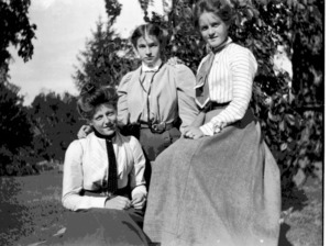 Elsie and Rosamond Mary Coolidge (sisters) and an unidentified woman.