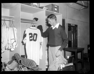 Dick Donovan in Braves clubhouse