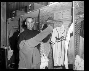 Vern Bickford in Braves clubhouse